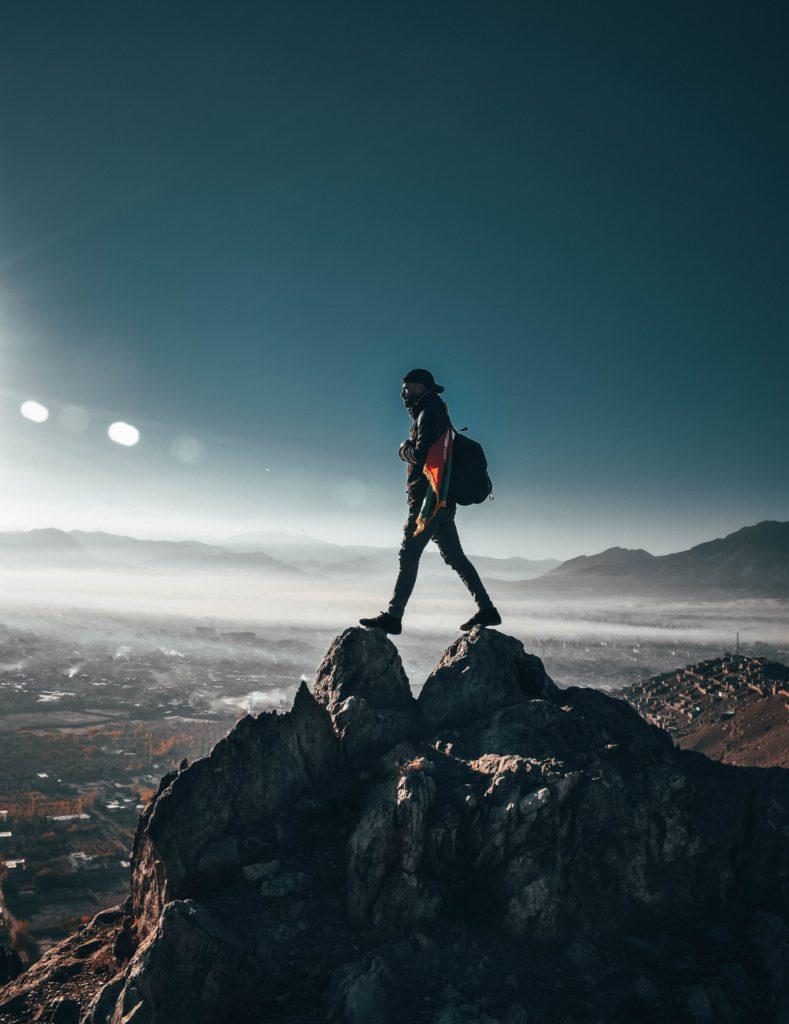 adventure-backpacker-clear-sky-1576937
